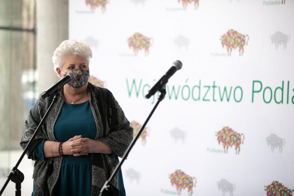 Na zdjęciu Dyrektor Opery i Filharmonii Podlaskiej Prof. Violetta Bielecka podczas konferencji prasowej.